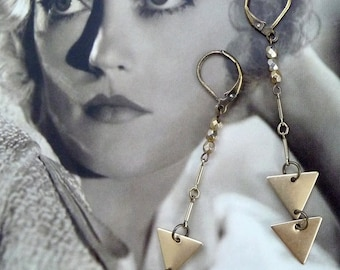 Vintage Chevron Earrings - Geometric Jewelry - Gold Brass Triangle Earrings - Arrows - Fishtail Earrings (SD0827)