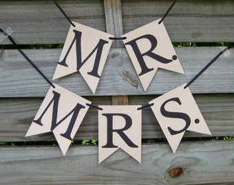 Mr and Mrs Chair Sign Set in Beige and Black