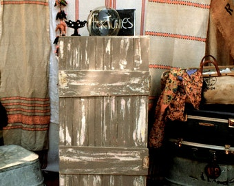 Vagabond's VintageTravelling Caravan Cabinet