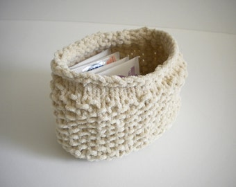 Ivory Knit Basket / Cream Knit Bowl / Tea Caddy / White Ecru Basket / Small Knitted Bowl / Under 20 gift