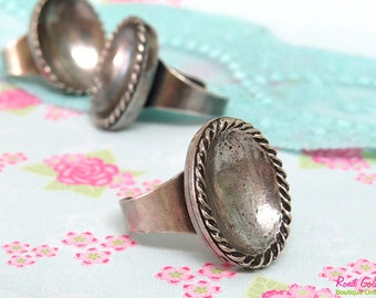 Oval Sterling Silver plated Ring Blank concave setting for 15 x 20mm gemstone cab , Adjustable band , oxidized rustic , vintage ring bezel