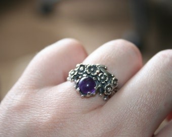 SALE...Vintage Sterling Silver with Flowers amethyst stone Ring Twig Diorama size 7  Stunning