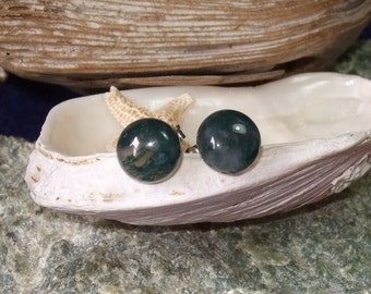 Moss Agate 8mm Round Studs Earings Earrings Titanium Ear Wires Hypo Allergenic Newfoundland Talisman for a Gardener Green Metal Sensitive
