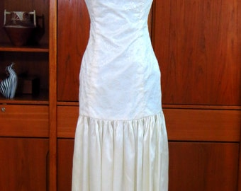 Eighties Strapless White Lace and Satin Wedding Dress