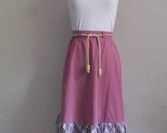 Vintage MAUVE Skirt • 60s Two Tier Country Skirt •  Paisley and Plaid • Wiggle Worm • Size Small