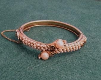 Florenza Pearl Bracelet Bypass Style Vintage