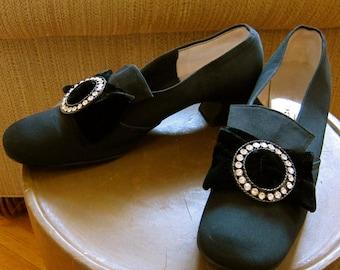Mod 1960s Bow Shoes Black Satin Joyce California Puritan Style Round Toes Rhinestone Velvet Buckles