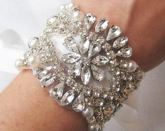Vintage Style Bridal Cuff, Crydtal Wedding Bracelet, Rhinestone Pearl Bracelet, Bridal Bracelet - AMELIE CUFF