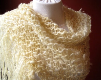 Hand Knit Ivory Shawl / Natural Handspun Wool Shawl / Rustic Country Wrap / Triangle Wool Shawl with Fringe