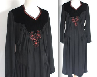 SALE Vintage 1920's Dress // 20s Black Gothic Victorian Velvet Rayon Dress // Sacred Heart // DIVINE