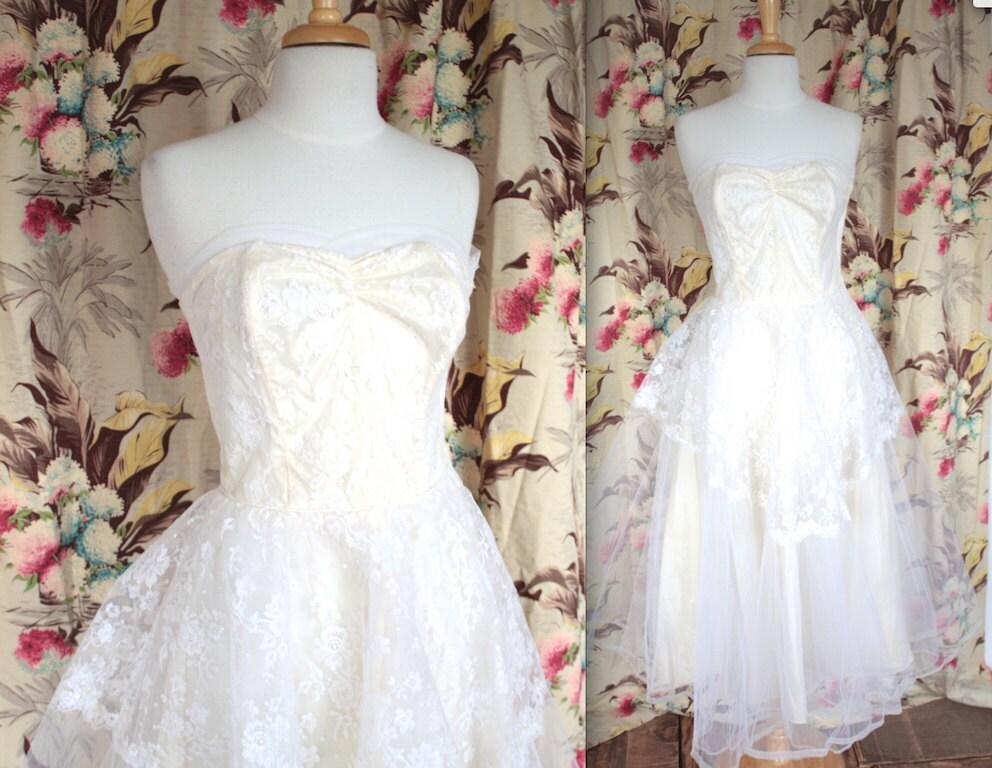 Vintage 1950s Wedding Dress // 50s Strapless Wedding Dress