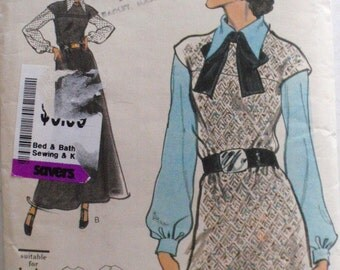Vogue Sewing Pattern - A-Line Jumper and Blouse - Vogue 8392 - Size 10, Bust 32 1/2