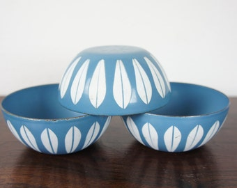 "Set of Three Cathrineholm Lotus Bowls Turquoise Blue with White Lotus Pattern, 4"" Enameled Steel, Tiny Nut or Snack Serving Bowls Kittelson"