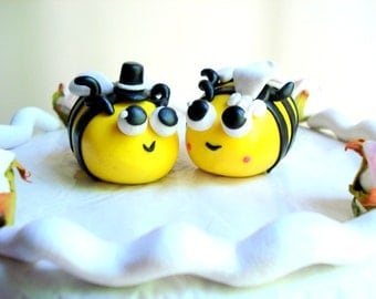 Bee Wedding Cake Topper, Polymer Clay Bumblebee Cake Topper Customizable