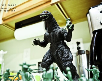 Godzilla Attacks 8 - Army Men Series