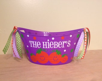 Personalized oval tub - Halloween gift basket, family name, pumpkin patch and polka dots, Hostess gift, great for passing out candy
