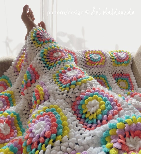 Blanket crochet pattern - Yummy Flower granny square - photo tutorial ...