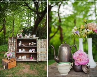 Vintage White Milk Glass Vase small vase collectible flower arrangement holder Victorian Anniversary Shabby Chic Vase Cottage home decor