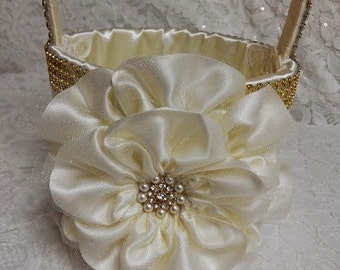 Flower Girl Basket, Bridesmaid Basket, Ivory and Gold with Rhinestone Mesh Handle Trim, Gold Wedding Basket