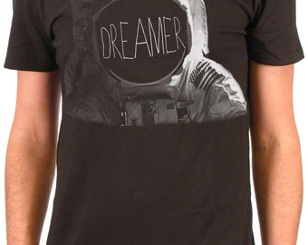 Dreamer Typographic Men's Astronaut Tshirt Black