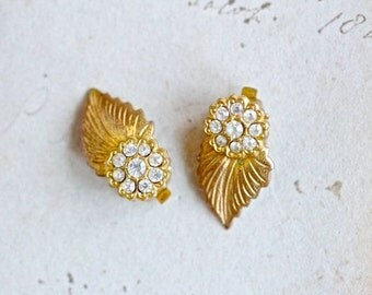 Golden leafs with Rhinestones - Vintage Clip on Earrings