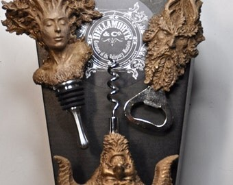 Pagan Gift Set of Wine Accessories