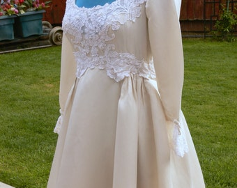 Bianchi of  new york antique cream  wedding with pearls Dress size 4-5 union label
