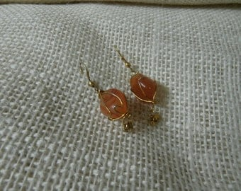 delicate amber and gold toned wire wrapped pierced earrings V0011