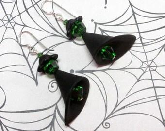 Halloween Witch Earrings, Witch Earrings, Halloween Earrings, Holiday Earrings, Black Earrings, Green Earrings, Lucite Earrings, Dangle