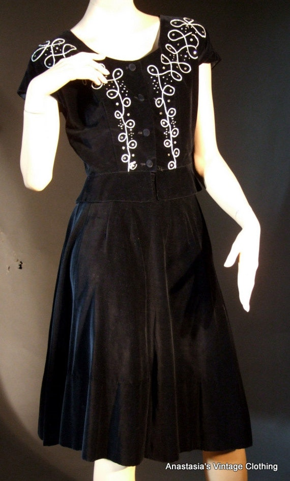 Vintage 1950s 2 Piece Black Velvet Rhinestone Silver Thread Skirt and Top Size Small