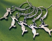 5 Crochet stitch markers Leaping Hares
