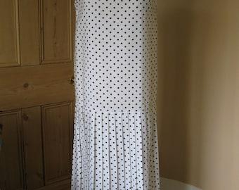 Vintage 1980s UK size 12 spotted polka dot drop-waist summer flapper dress