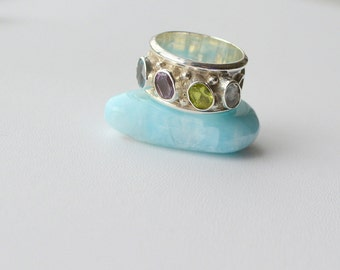 Anniversary or Family Ring