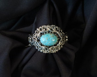 Vintage Whiting and Davis Victorian StyleTurquoise Art Glass Cabochon Silver tone filigree bangle hinged Chunky Wide Statement bracelet