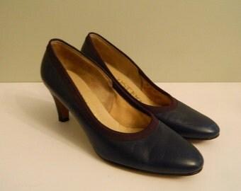 Blue and Purple Leather Pumps / Vintage Heels / 1960s Shoes / Deliso Deb Heels