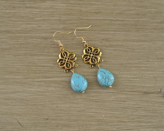 Turquoise and Gold Statement Earrings - Turquoise Teardrop Earring - Turquoise Bridesmaid Earring Gift - Gold Clover Stone Earrings