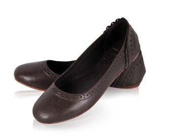 ULUWATU. Dark brown shoes / leather flats / leather shoes / womens shoes / ballet flats / brown flats. Available in different leather colors