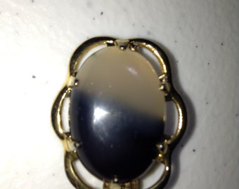 Agate in Gold Brooch