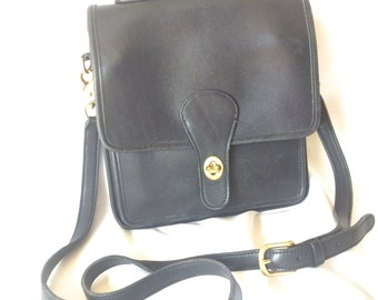 Vintage COACH Station Crossbody Handbag in Black Leather