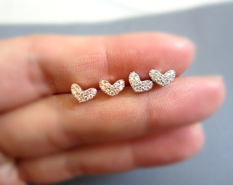 Tiny Heart studs earring, 925 silver post, Studs Earrings, Dainty silver stud earrings, Heart earring, Dainty jewelry.