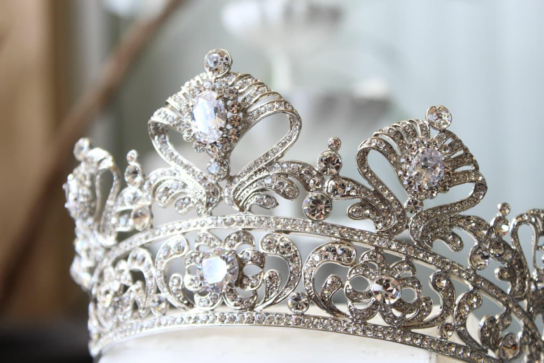 Crystal Crown Nude Photos 6