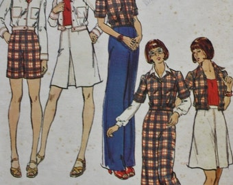 1970s Jacket Skirt Shorts and Pants Vintage Sewing Pattern Butterick 3537 Bust 36