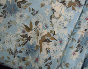 Blue & White Vintage Floral Fabric, Lightweight Cotton, Daisy and Lily Flowers Sewing and Crafting Material #320