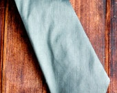 Men's Standard Necktie - Silver Gray Raw Silk