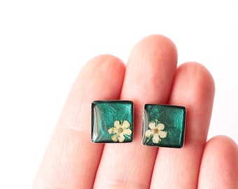 Pressed Flower Jewelry, Pressed Flower Stud Earrings, Botanical Jewelry, Flower Studs, Minimalist Jewelry, Gift for her, Mothers Day Gift
