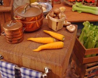 Farm Fresh Carrots 1:12 Scale Miniature Food Dollhouse Accessory