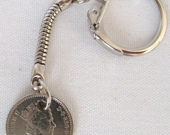 1990 British Five Pence Coin Keyring Key Chain Fob Queen Elizabeth II