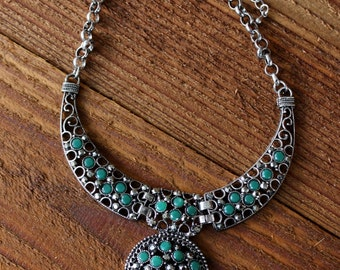 Vintage Faux Emerald Collar Necklace