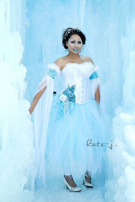 Citaten Winter Queen : Snow princess ice queen or winter fairy costume with white