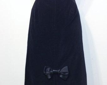 1980's Black Velvet Wiggle Skirt by Cristina, Size 10 , Vintage Velvet Pencil Skirt, Secretary, Rockabilly / Hipster, Special Occasion